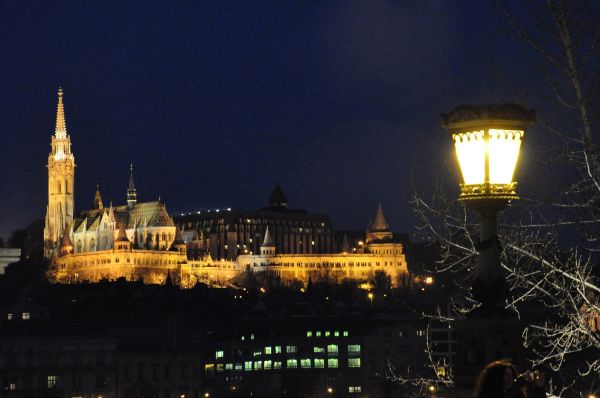 BUDAPEST BY NIGHT-4