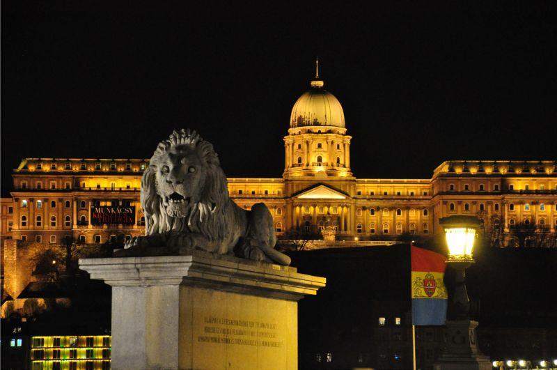 BUDAPEST BY NIGHT-6