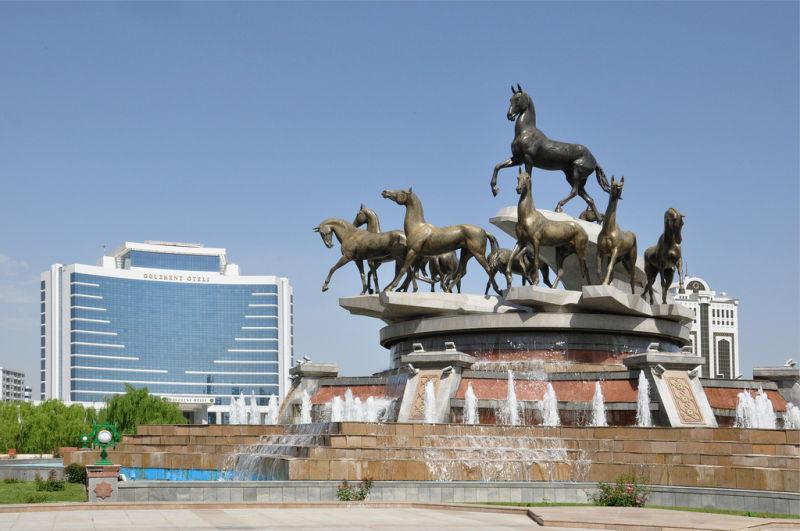 ASHGABAT-TURKMENISTAN-MONUMENT TO THE AKHAL HORSES