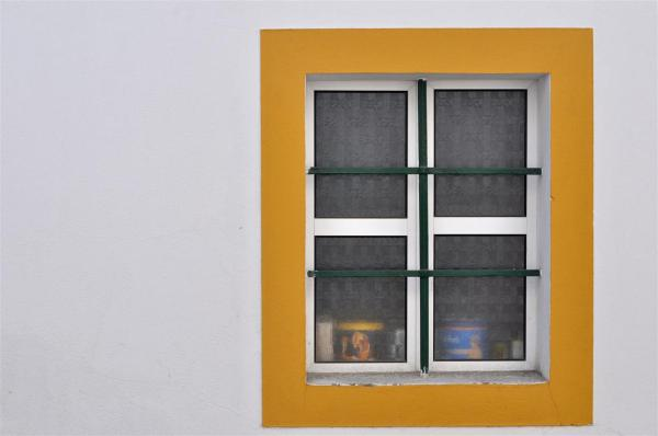 WINDOW IN ÉVORA-1