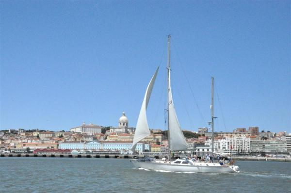 SAIL BOATS SHOWING LISBON-6
