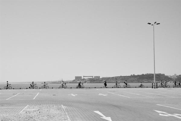 CYCLING IN B&W