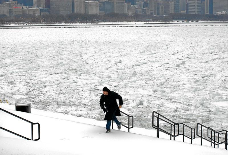 Winter,Chicago Lakefront,Ice,Lake Michigan