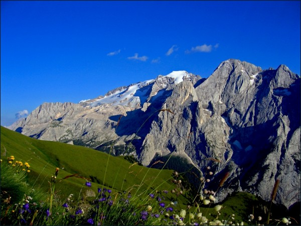 THE QUEEN OF DOLOMITES
