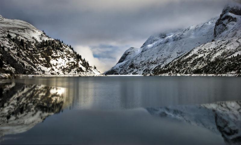 The lake.... a mirror!