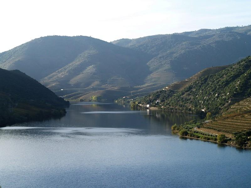 Douro river at Freixo de Numão railway station