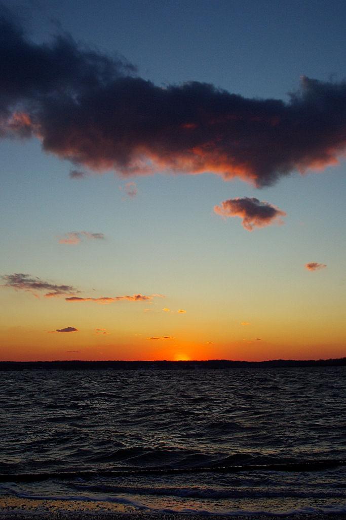huntington bay at sunset time