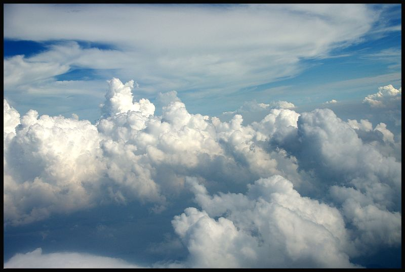 white clouds on the lue sky