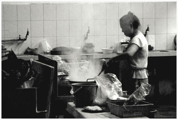 woman preparing the food
