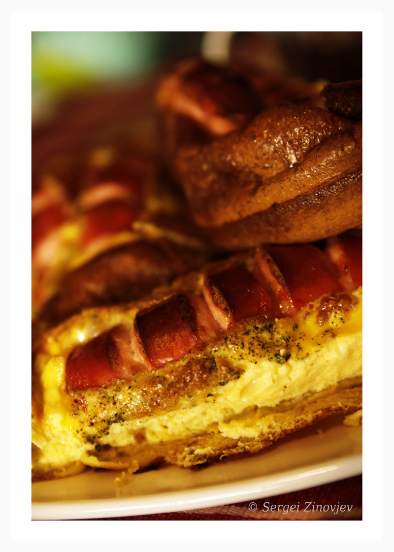 egg omelet with sausage