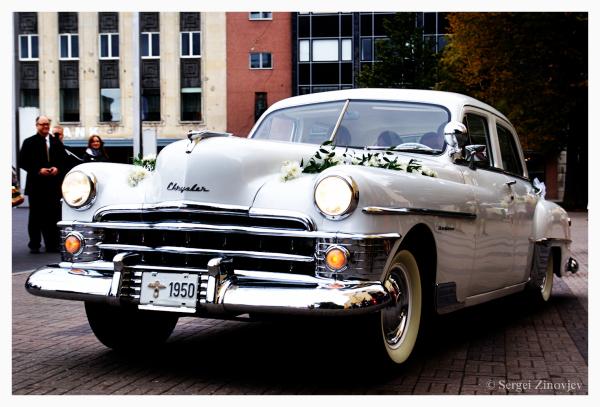 wedding car on the streets of Tallinn