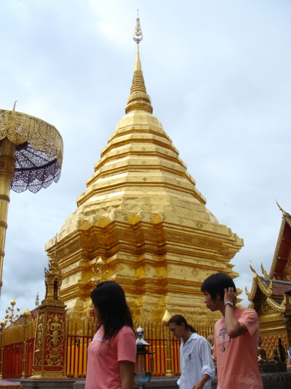 golden suthep temple