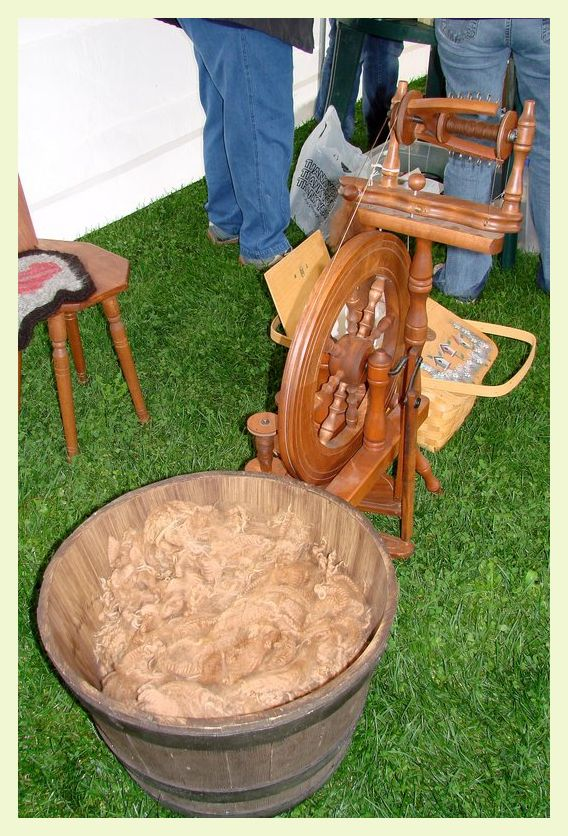 Spinning wheel at Song Meadows Alpacas