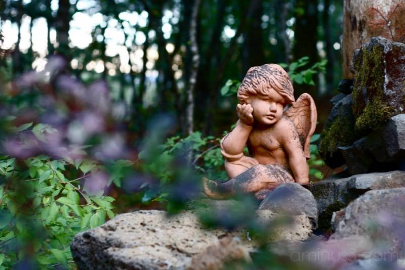 angled angel