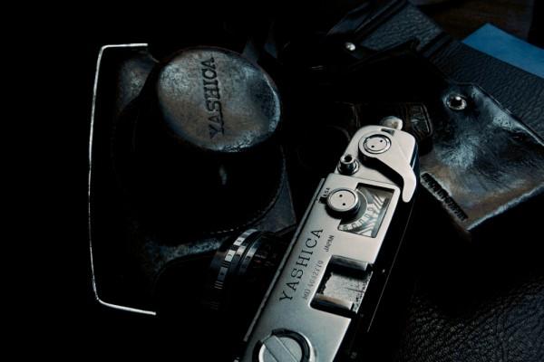 35mm old still camera, Yashica.