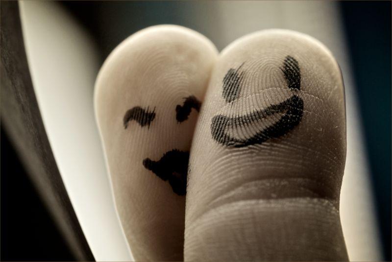 finger prints love toys couple tips date kiss macr