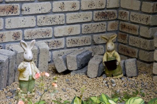 Little bunny statues in Kobe