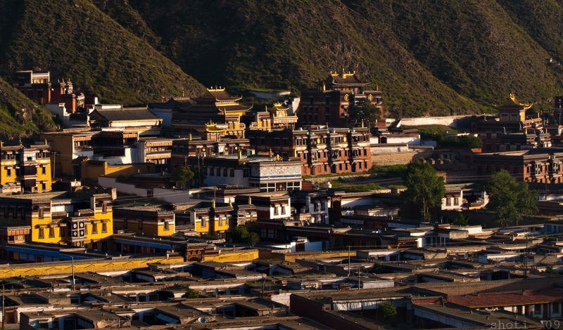 First light at Labrang
