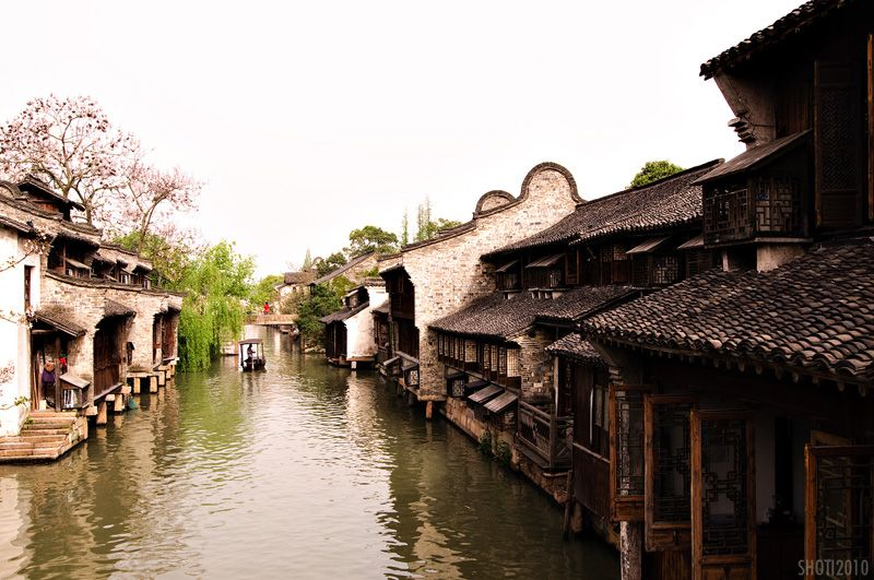 Life along the canals