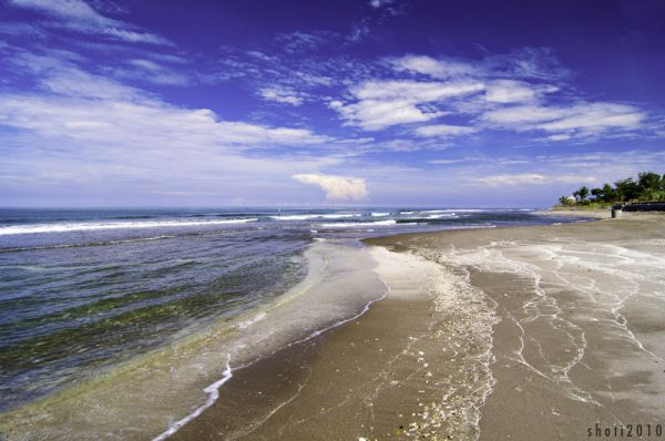 The long and winding beach