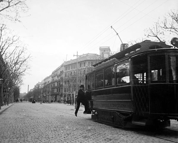 Agafant el tramvia