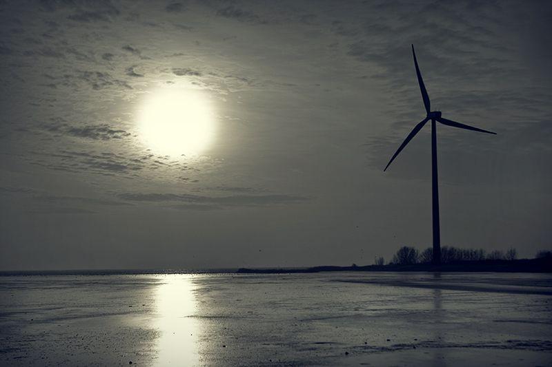 Sun, ice, turbine