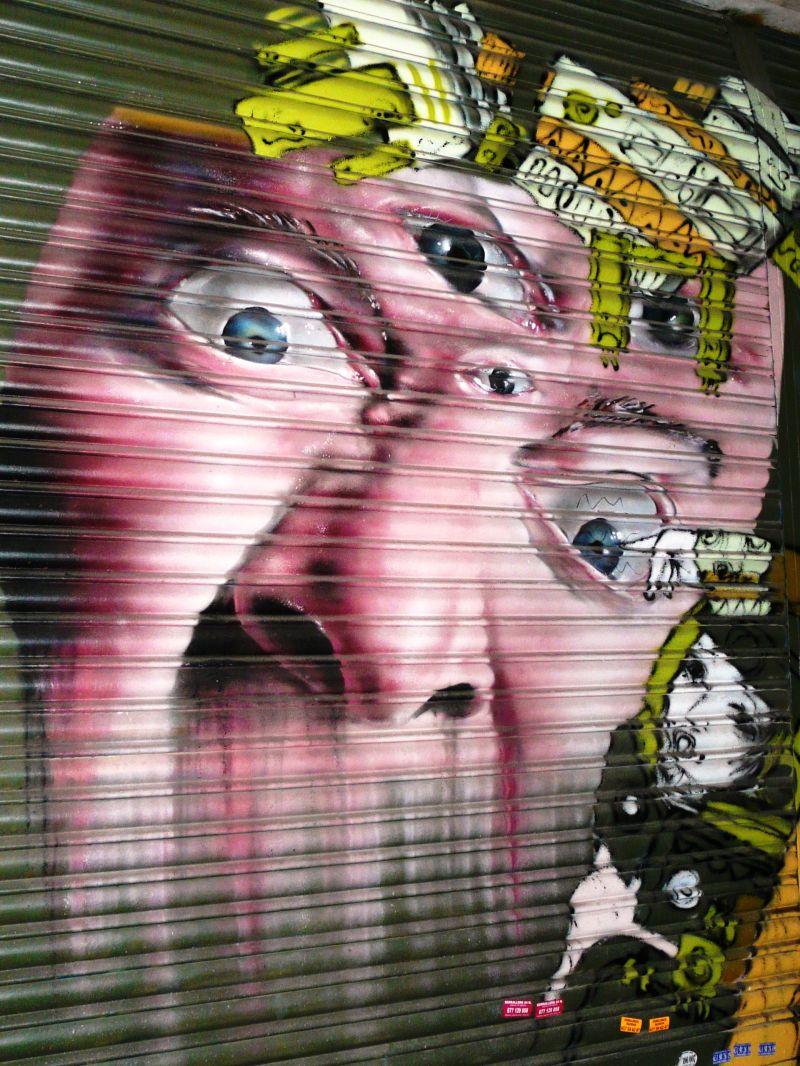 Peinture sur rideau de fer à Barcelone