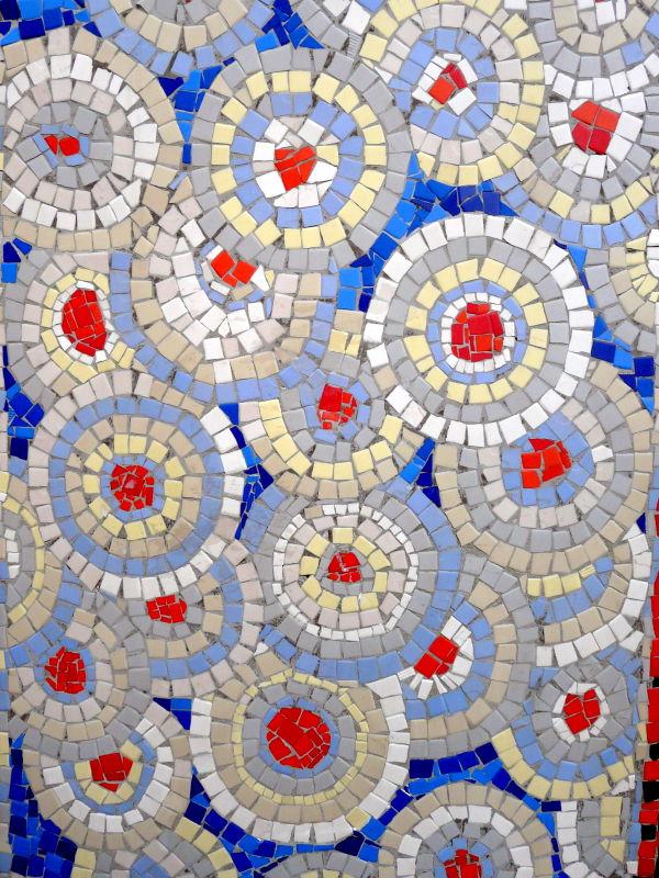 Des ronds de mosaïques ....dans l'eau