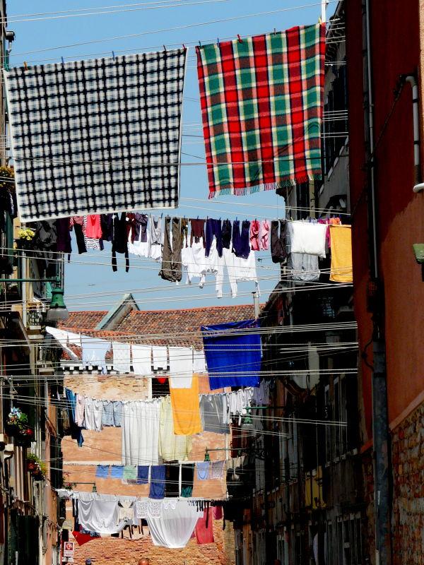 Mardi jour de grande lessive dans le quartier !!!!