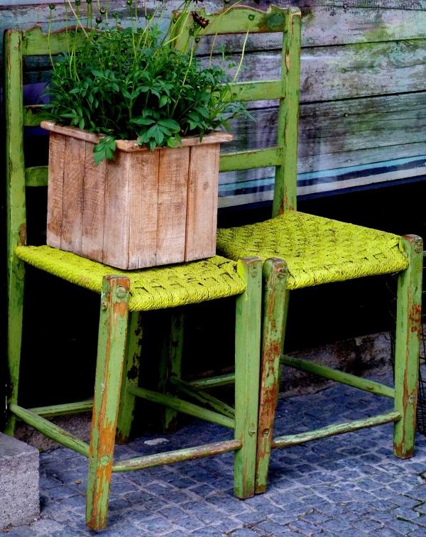 Des chaises faites pour moi .....