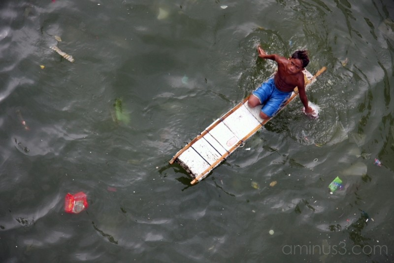 Child at the Port of Manila