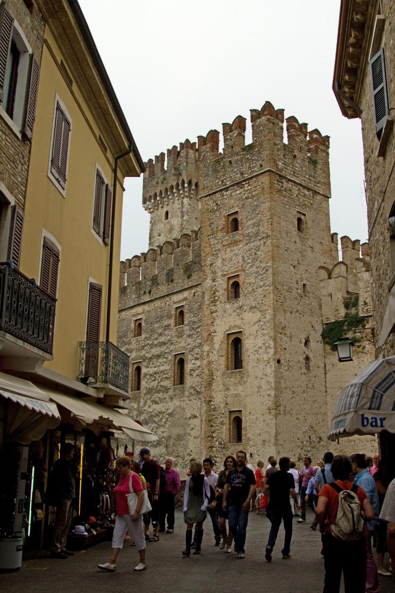 Street Castle