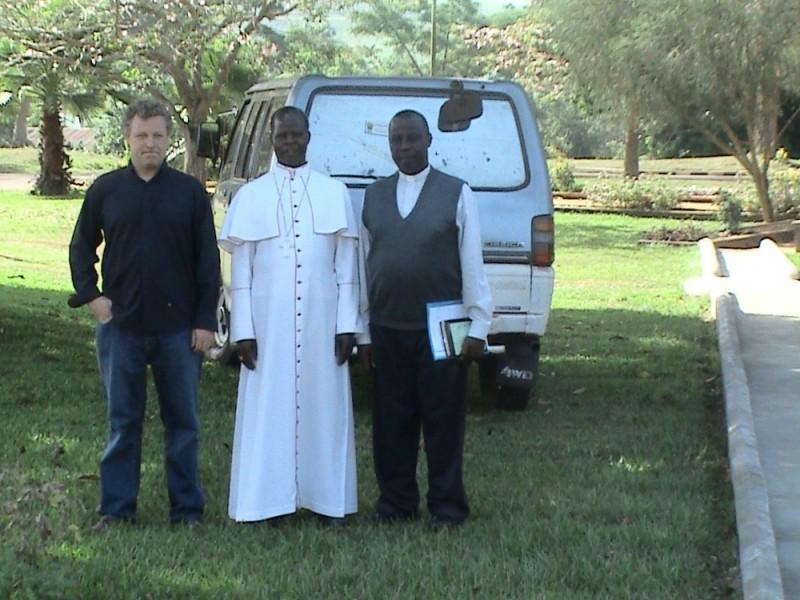 The Bishop, his secretary and Garrett