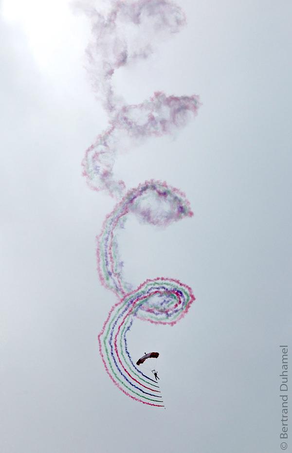 Diving, spinning, smoking and hopefully, landing !