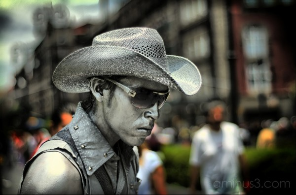 HDR of street performer in Mexico City