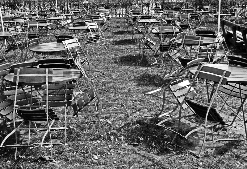More tables and chairs cityscape urban photos a for Urban sofa deutschland