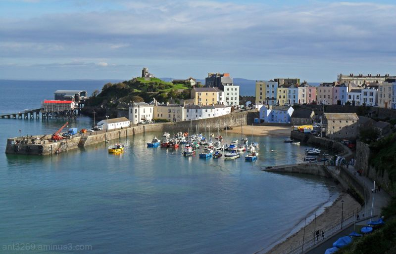 Tenby Harbour and north beach