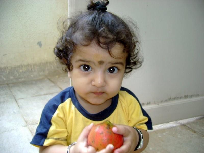 Newton,apple,love,portrait,innocence,kid