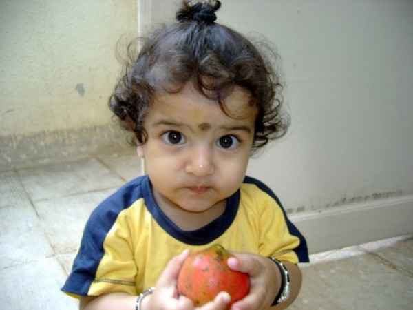 Newton,apple,love,portrait,innocence,kid