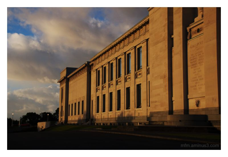 Auckland Museum in the early morning light