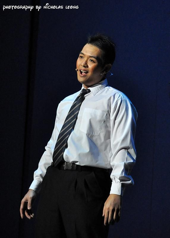 Keith Yew on stage