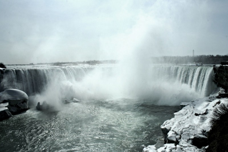 The falls in all its wintery glory.