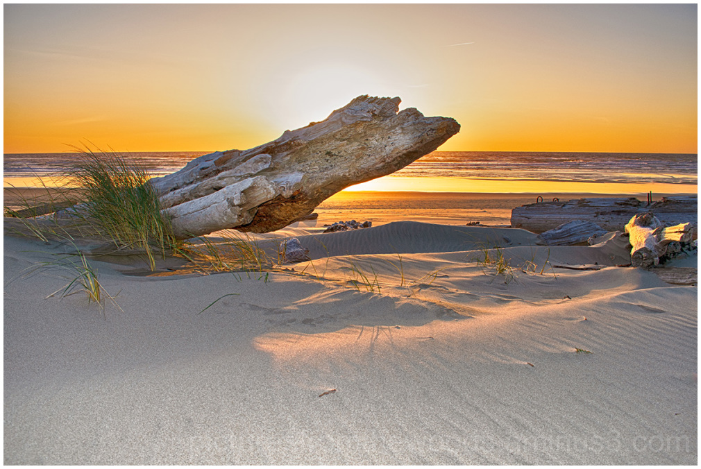 Sunset on the beach at Florence, Oregon