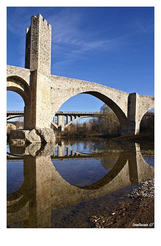 Pont romànic de Besalú (Girona)