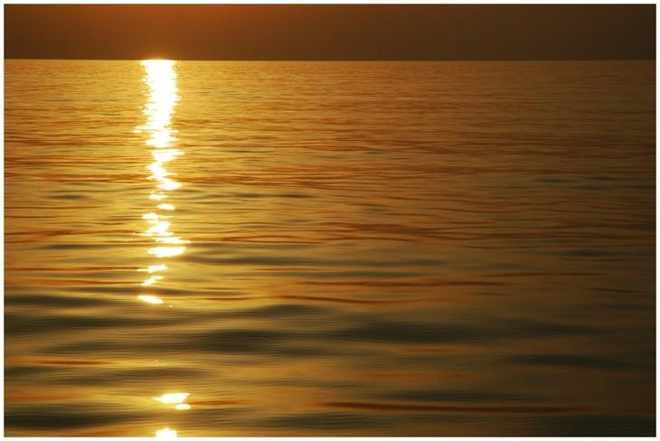 je prie dans la mer