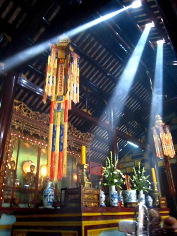 Vietnam Hue Temple Light Rays