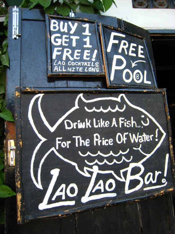 Laos, Luang Prabang Bar, Pub