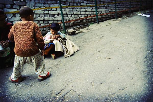 beggar kids india