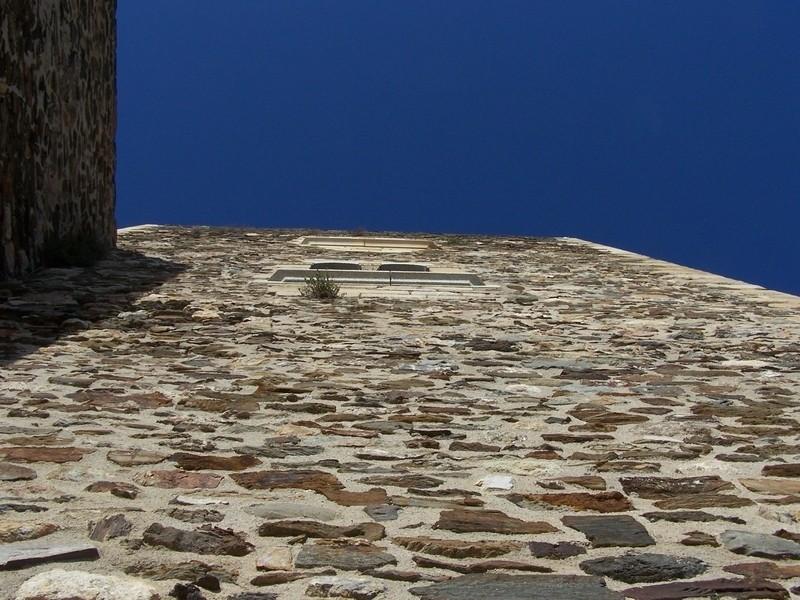 Piedra y azul