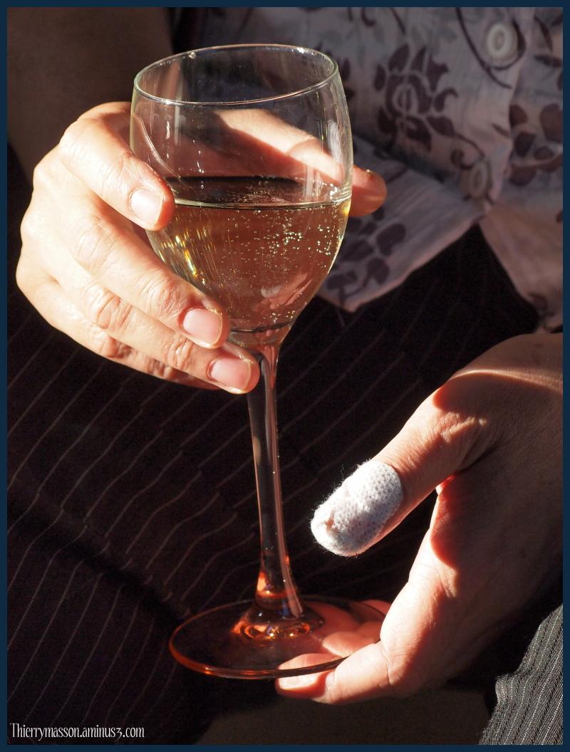 La femme au doigt coupé